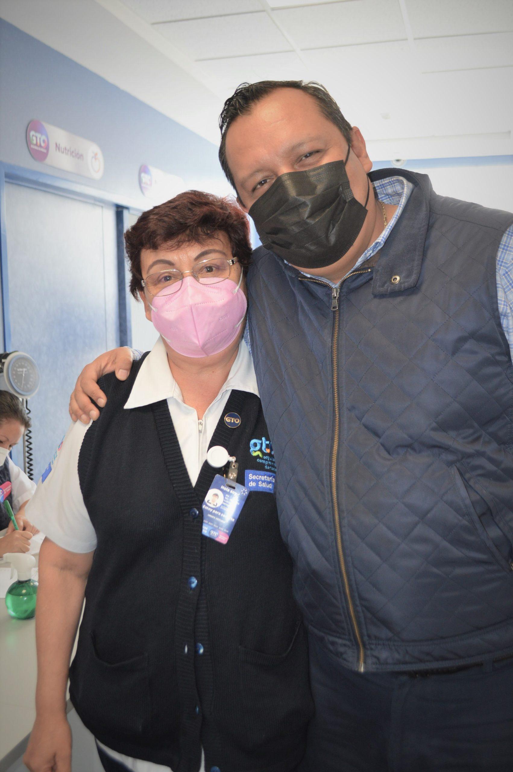 Enfermera con 39 años de servicio exhorta a la población a usar los servicios médicos del Centro de Salud de Victoria.