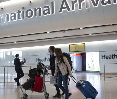 País europeo eliminara la cuarentena para viajeros vacunados de la UE y Estados Unidos