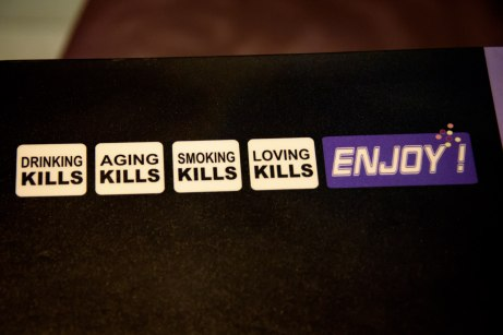 Le Vingt4 in Nice, France: Aging Kills, Smoking Kills, Loving Kills, Enjoy!