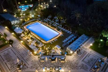 La Pergola, Rome - The pool of Hotel Cavalieri