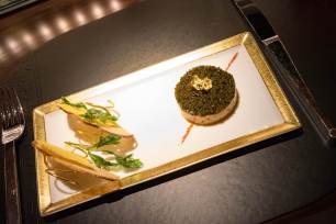 L'Atelier Robuchon in Montreal - Salmon tartare, caviar, gold leaf