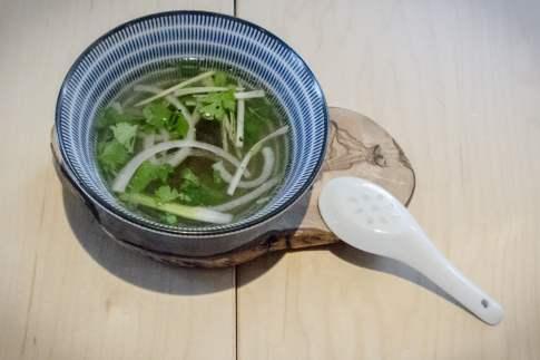 Il faut goûter à la soupe tonkinoise!