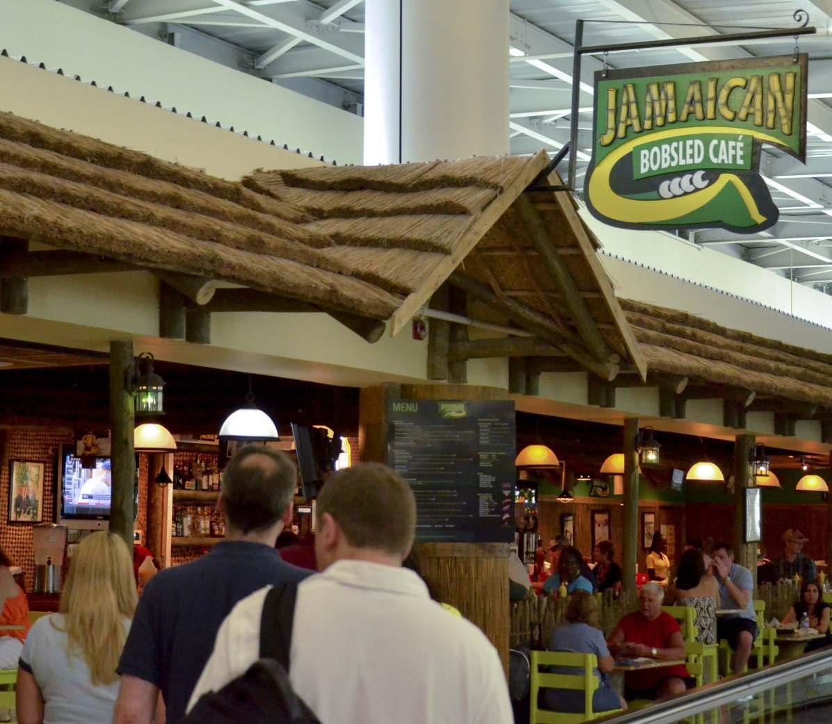 Le Bobsled Café à l'aéroport de Montego Bay