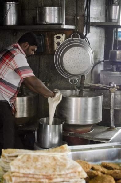 Visite de Bangalore - Il fabrique des parottas