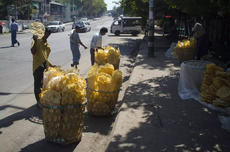 Burma Travel: Chips!