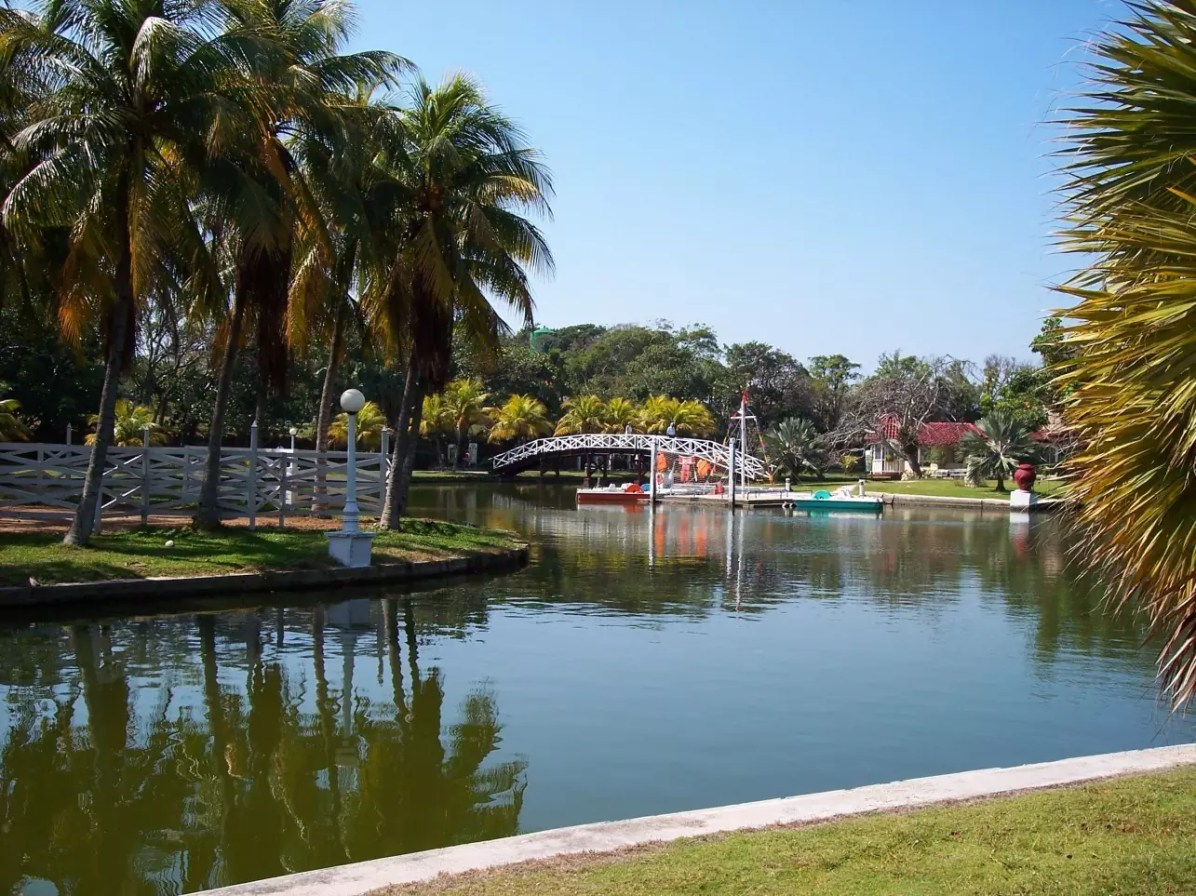 Things to do Outside Varadero Resorts - Parque Josone