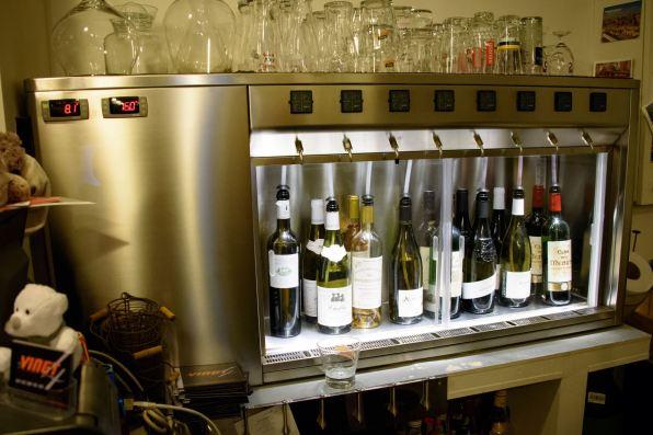 Le Vingt4: le distributeur à vins