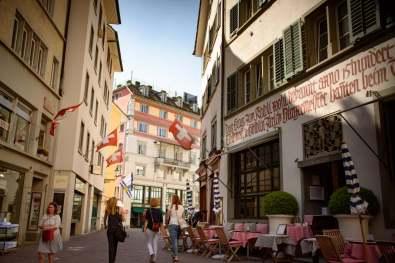 Switzerland: Zurich and Basel... what cleanliness, what class! | Suisse: Bâle et Zurich... quelle propreté, quelle classe!