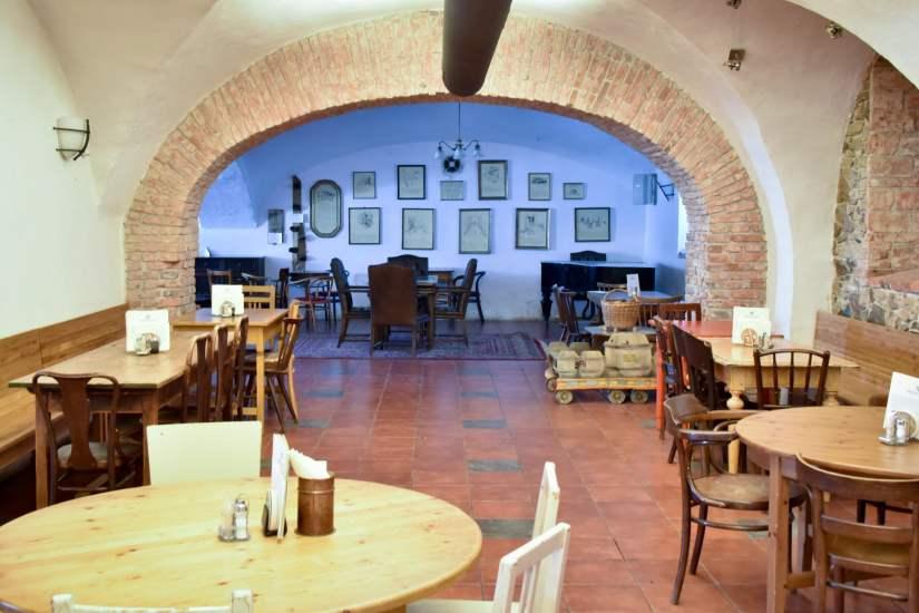 Únětický pivovar - La superbe salle à manger