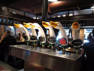 Fausses microbrasseries: Goose Island: Photo par Bernt Rostad sous CC BY 2.0