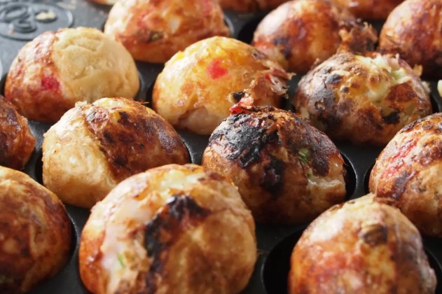 Best place to stay in Osaka: takoyaki
