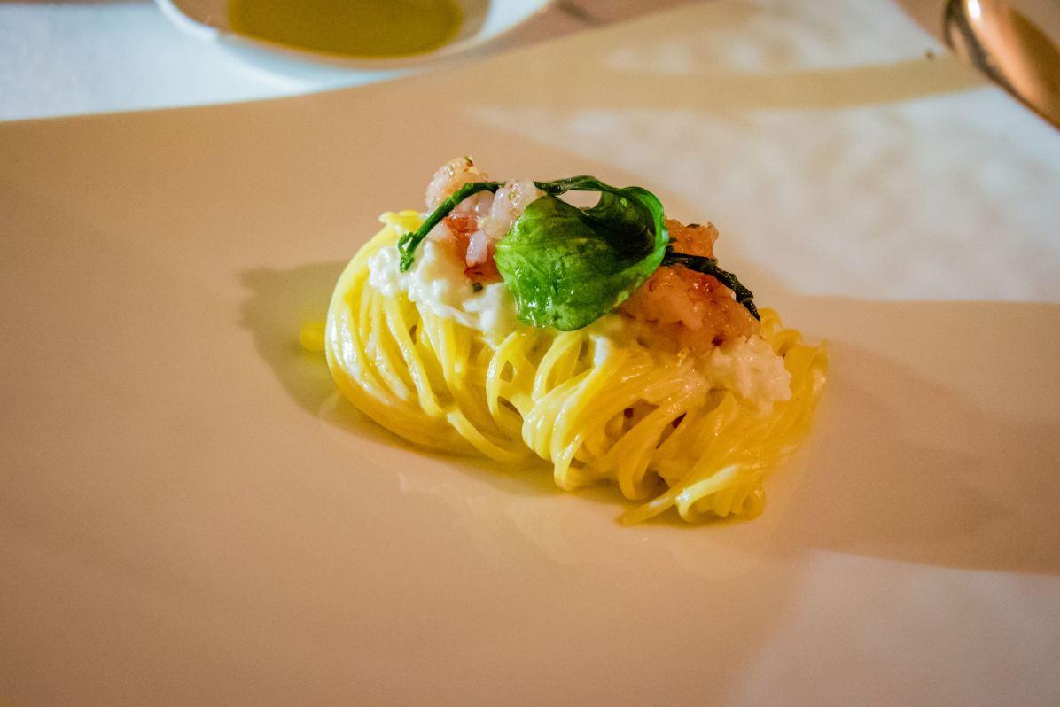 Restaurant Assaje Rome - Pâtes, chair de crabe, feuille d'huître végétale