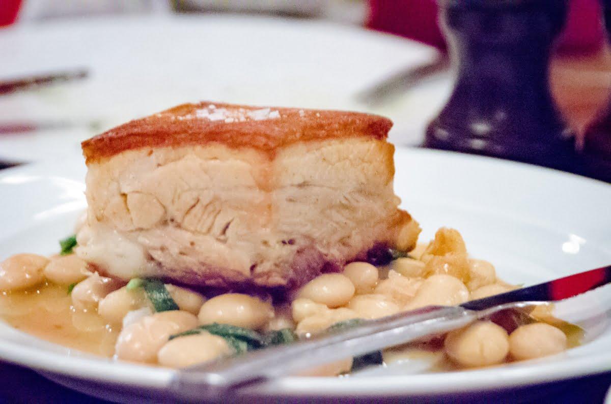Bien manger à Londres: Le plat de poitrine de porc de St. John's - Photo © Cedric Lizotte