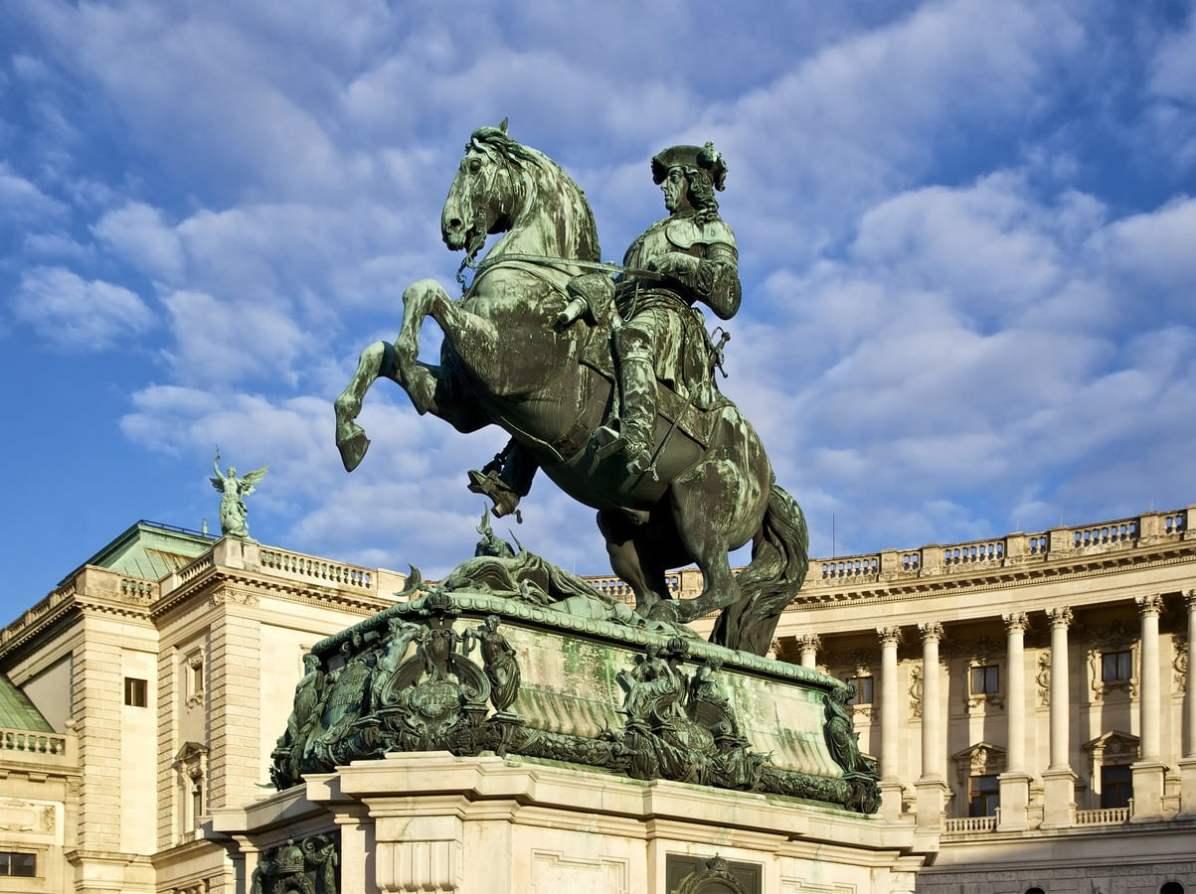Vienna Travel Blog: Vienna statue - CC0 / Public Domain - Things to do in Vienna