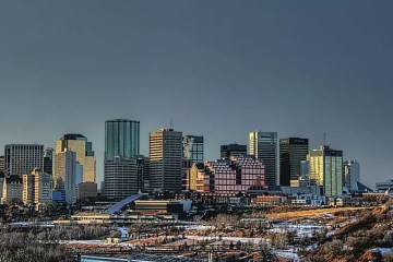 instagrammable places in Edmonton - Downtown skyline of Edmonton, Alberta, Canada - photo by WinterE229 under CC0 1.0