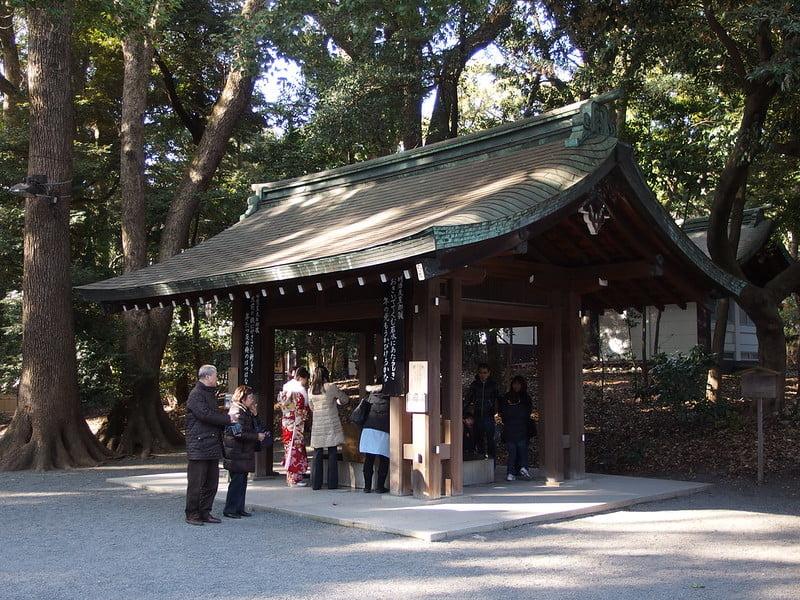 historical sites in Tokyo - Meiji Jingū - photo by Guilhem Vellut under CC BY 2.0