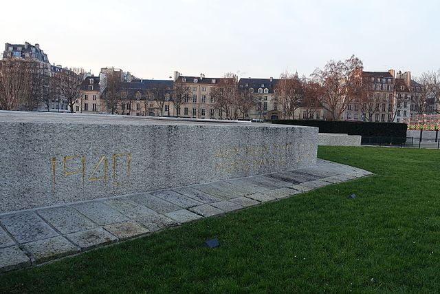 Mémorial des Martyrs de la Déportation - photo by Guilhem Vellut from Paris, France under CC-BY-2.0