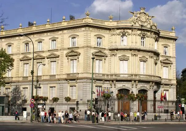historical sites in madrid - Palace of the Marquis de Linares, currently Casa de América - photo by J.L. de Diego under PD-author
