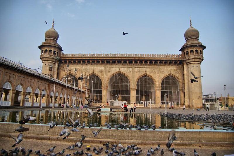 Mecca Masjid (Makkah Masjid) - photo by { pranav } under CC BY 2.0
