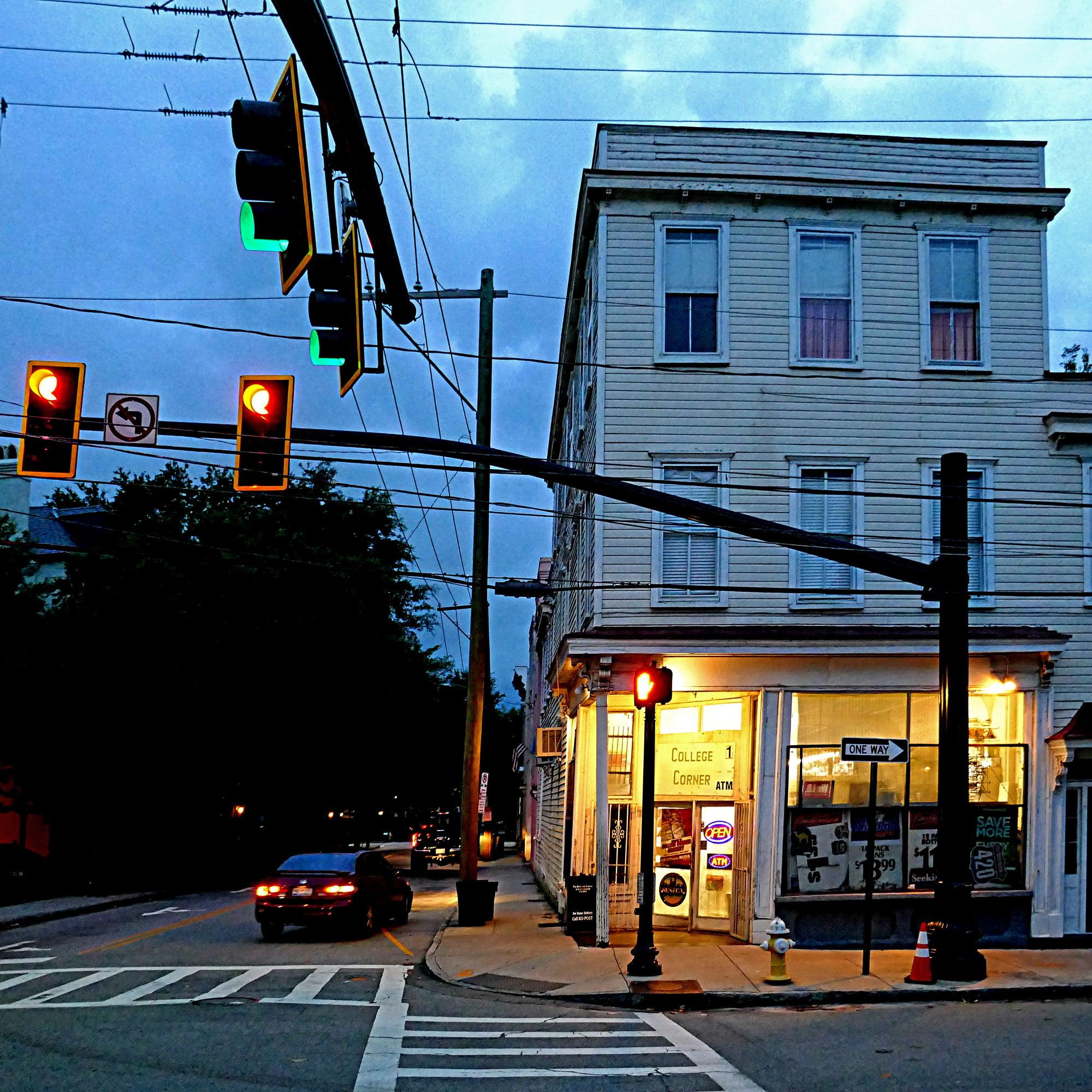 Anthony Bourdain Charleston - Charleston, South Carolina, USA - photo by Pom' under CC BY-SA 2.0
