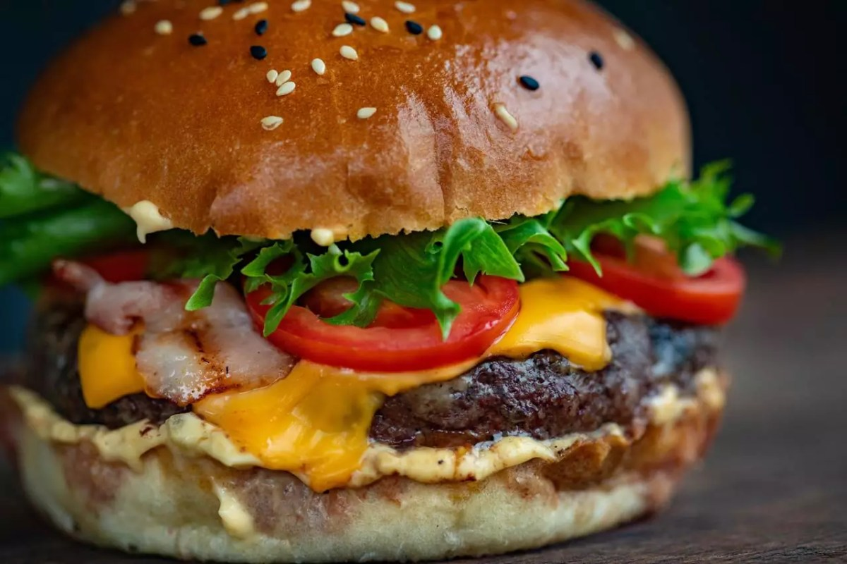 Cheeseburger - photo from PxHere under CC0 Public Domain