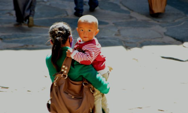 Criança tibetana