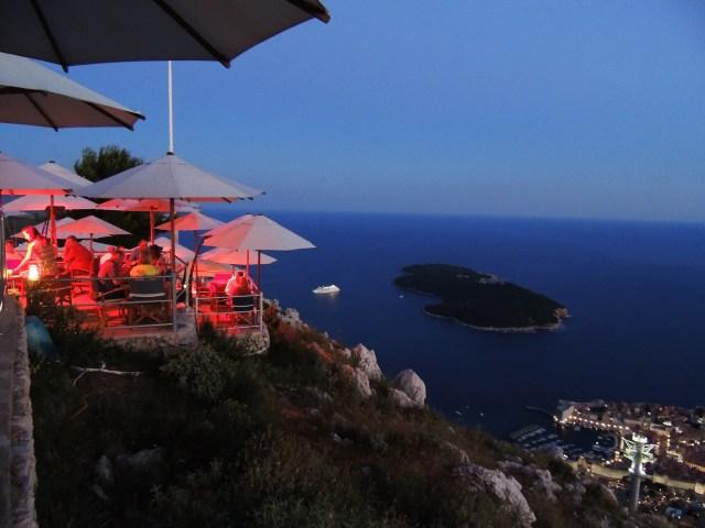 Restaurante em cima da montanha