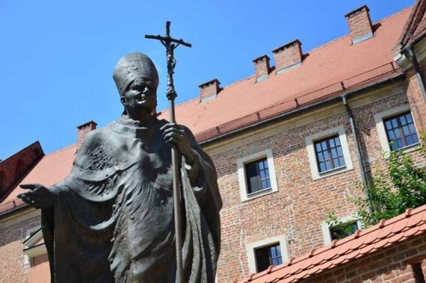 Estátua Papa João Paulo II