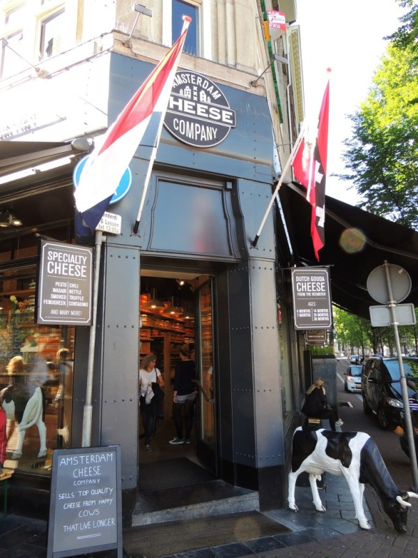 Uma das irresistíveis lojas de queijos