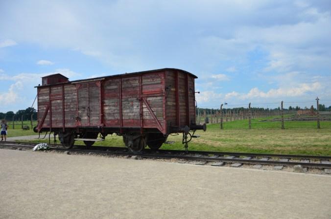 Um dos vagões que traziam os prisioneiros