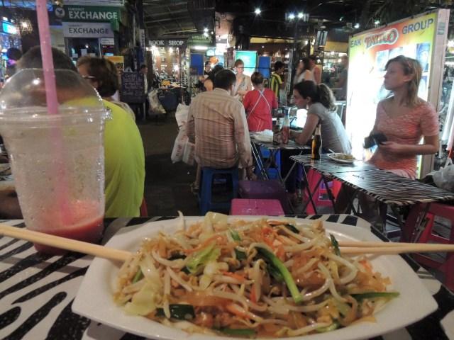 Um dos muitos Pad Thais