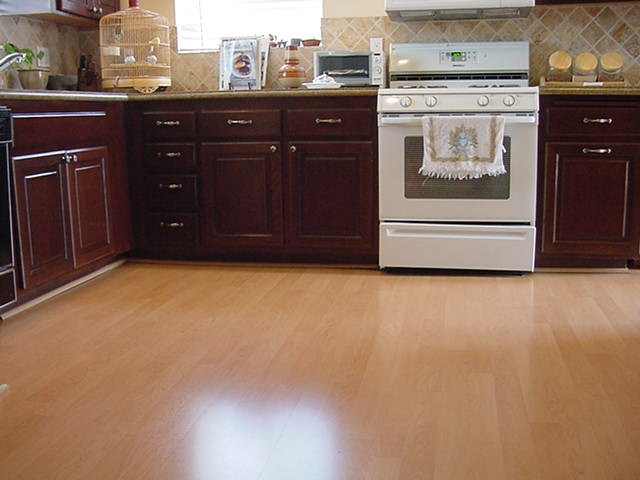 Kitchen Floor  Laminate  Flooring Picture Post