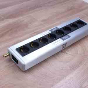 QRT Quantum QBASE QB8 Power distributor by Nordost 1