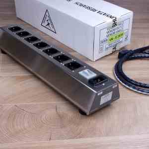 Shunyata Research Venom EU7 audio power distributor Surge Filter and Venom HC Molded cable 1