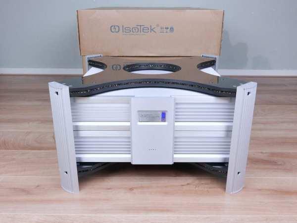 IsoTek EVO3 Super Titan 32A highend audio power conditioner 1