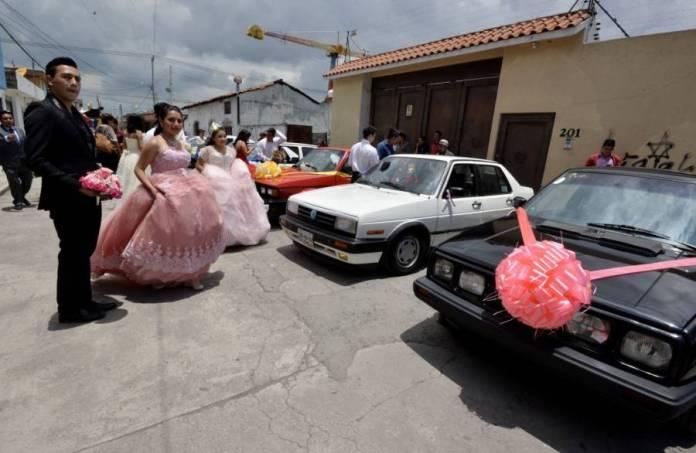 Quinceañera celebra sus XV primaveras a pesar de la cuarentena por ...