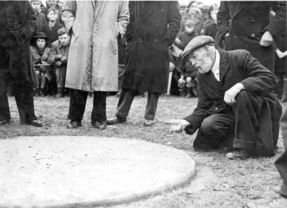 Pop Maynard in the ring - British and World Marbles Championship