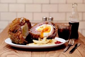 24 Hour Polo Bar - Emu Scotch Egg Challenge - London