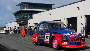 2CV 24 Hour Race - Photo: Neil Lambert