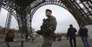 Le terroriste visait le Louvre et la Tour Eiffel