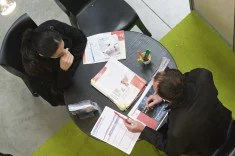 Entretien d'embauche recrutement chomage (Crédits Troisième Histoire, licence Creative Commons)