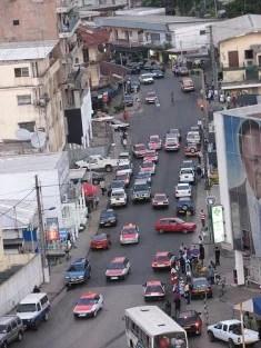 Circulation à Libreville (Gabon) (Crédits huguesn Creative Commons)