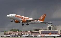 Easyjet Ryanair (Crédits Javier Pedreira, licence Creative Commons)