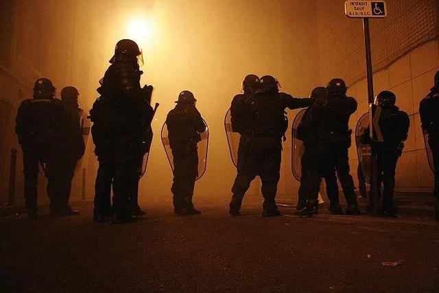 Police à Paris (Crédits Mikael Marguerie, licence Creative Commons)