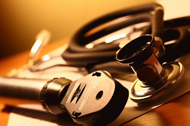 Médecine (Crédits : Adrian Clark, licence CC-BY-ND 2.0)
