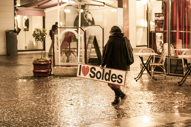 soldes credits antoine robiez (licence creative commons)