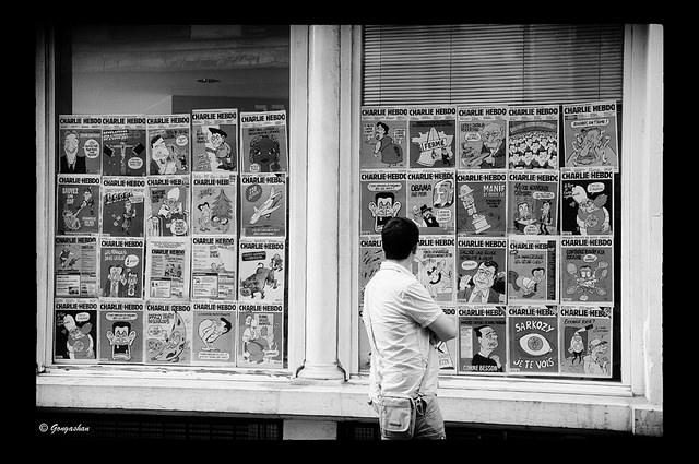 Charlie Hebdo en vitrine - Credit Gongashan (Creative Comons)