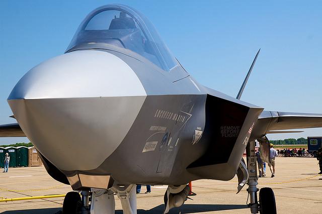 F-35 credits Rob shenk (CC BY-SA 2.0)
