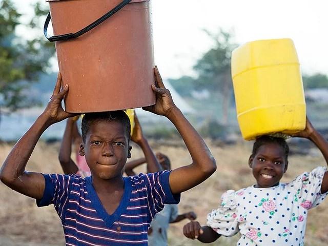 Aide au développement en Afrique (Crédits : MAECD-DFATD, Jean-François Leblanc, licence CC-BY-NC-ND 2.0), via Flickr.