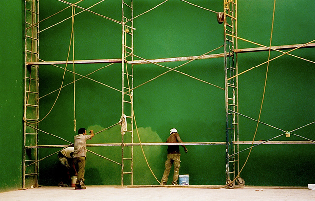 Havana Painters credits Chris Goldberg licence (CC BY-NC 2.0)), via Flickr.
